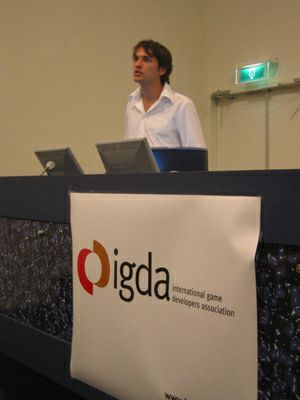 Martin de Ronde (Guerrilla Games) discusses the state of the games business in the Netherlands during the IGDA chapter meeting.